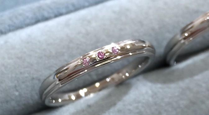 ピンクサファイアの結婚指輪