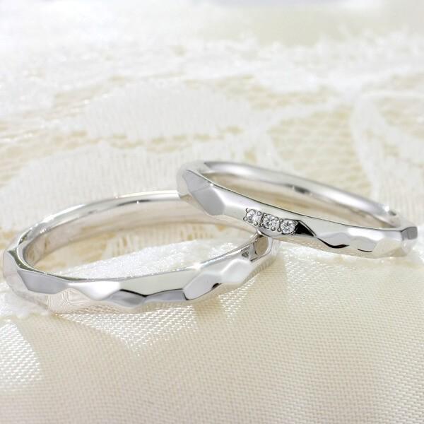 ハンマー(槌目)仕上げを表現した指輪