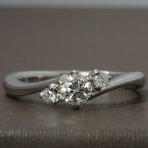 プロポーズに最適な婚約指輪