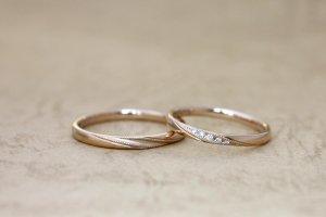 ミルグレインピンクゴールド結婚指輪
