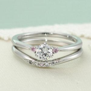 結婚指輪と重ねつけ