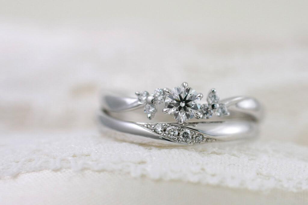 結婚指輪と婚約指輪の重ねつけ
