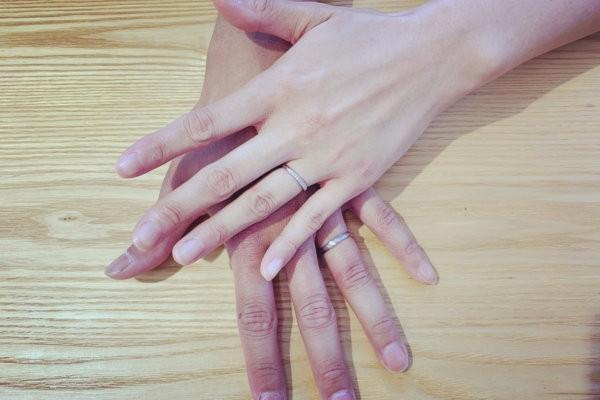 ふたりで選ぶ結婚指輪