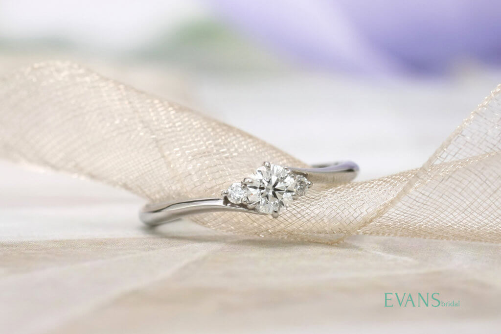 エヴァンスのオリジナル婚約指輪